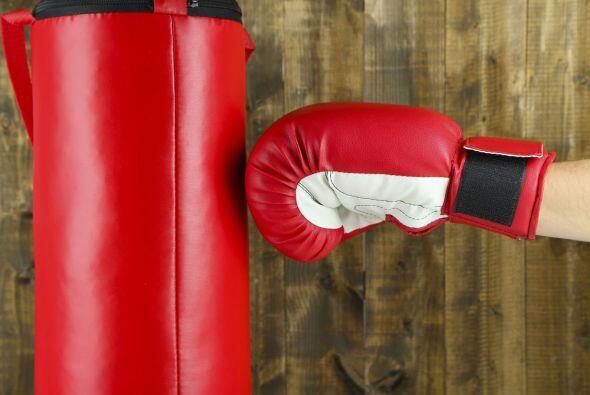 Bolsa de boxeo. Libera tensiones, descarga energía y ponte en forma colg...