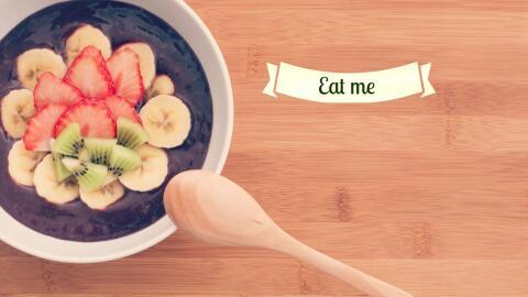 Bowl de acai con plátano y fresa