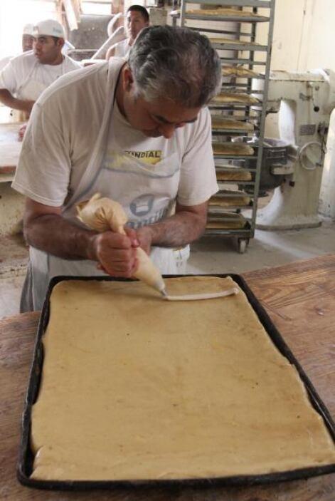 La Rosca de Reyes es una de las tradiciones más esperadas en las festivi...