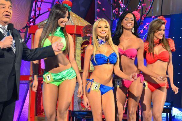 Vestidas de verde, azul, rosa y naranja las chicas dieron un espectáculo...