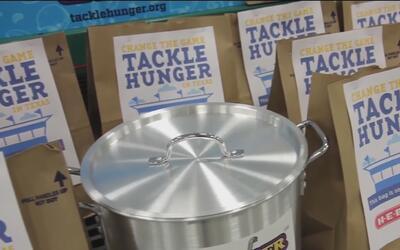 Da inicio 'Souper Bowl of Caring', una campaña que recauda comida para l...