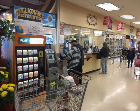 Ventanilla de loterías donde se vendió el boleto agraciado con 72 millon...