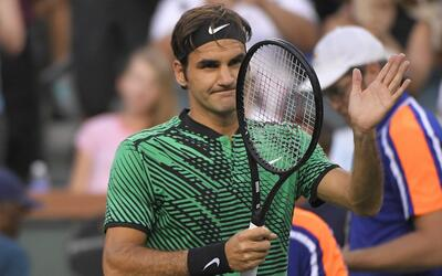 Federer se mantiene con vida en Indian Wells.