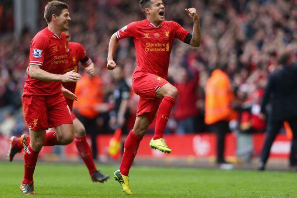 El mediocampista sudamericano firmaba el 3-2 para Liverpool.