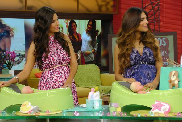 Ana y Alejandra muy atentas a los consejos de Bárbara y el doctor...