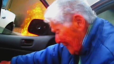 Mujer de 87 años logró salir de un auto en llamas y se salvó de morir