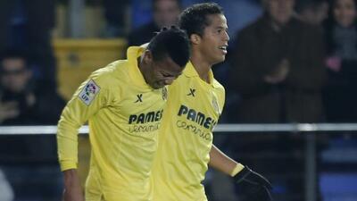 Uche, a la izquierda, hizo el primero gol del Villarreal.