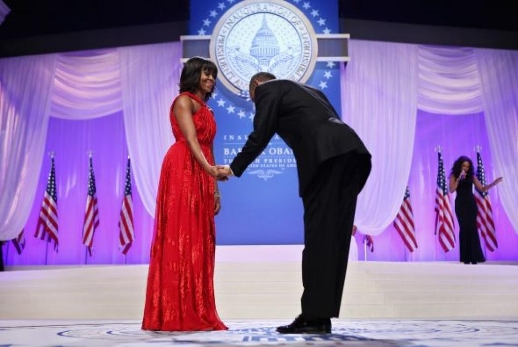 La primera pareja cantó el uno al otro, Michelle Obama chasqueó los dedo...