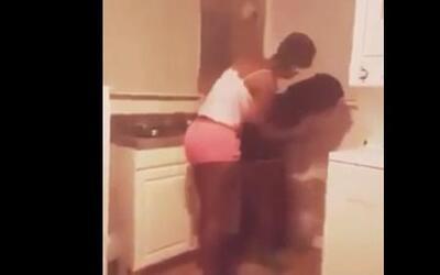El video que generó cientos de reacciones de apoyo a la adolescente golp...