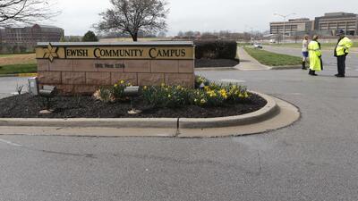 Tiroteo en centros judíos de Kansas deja al menos 3 muertos y 1 herido