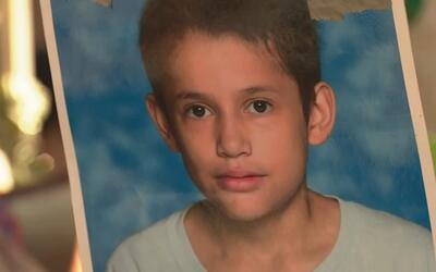 La familia del niño asesinado en Houston pide ayuda para encontrar al as...