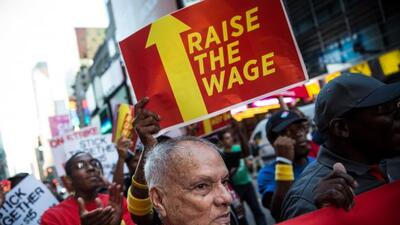 Lanzan campaña agresiva para un aumento de salario paraempleados de McD...