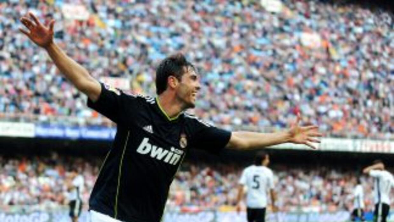 Kaká, el jugador del Real Madrid conmemoró el nacimiento de su hija un d...