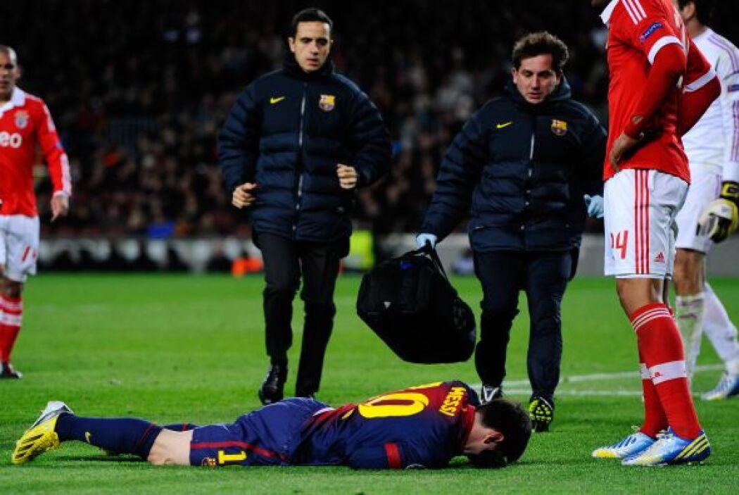 Todo el Camp Nou estaba preocupado por el estado de salud de Leo.
