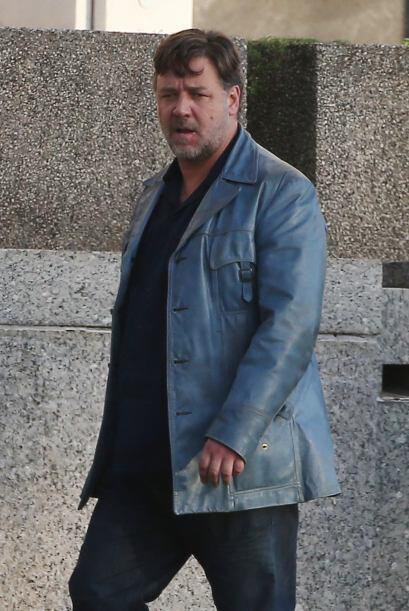 Por cierto, hace unos meses, Russell Crowe comenzó a bajar de pes...