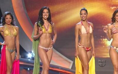 Desfile en bikini de las 7 finalistas de Nuestra Belleza Latina 2012