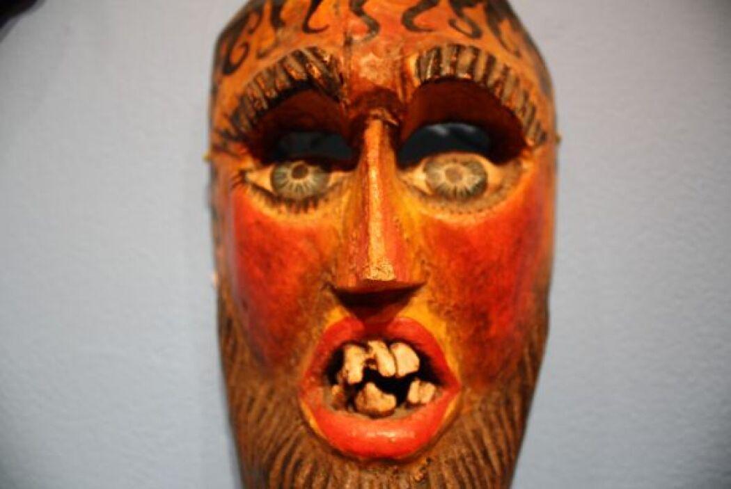 Las hay de madera, cuero y metal.  Fotos: También en Mexic-Arte: la luch...