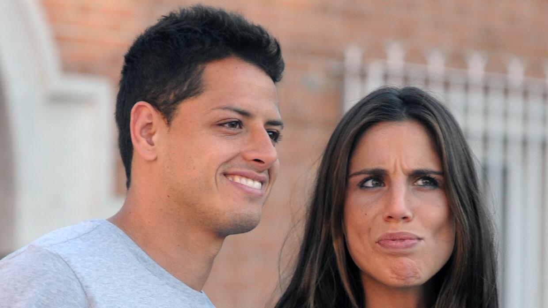 Chicharito Hernández y Lucía Villalón fueron retratados en el 2015 tomán...