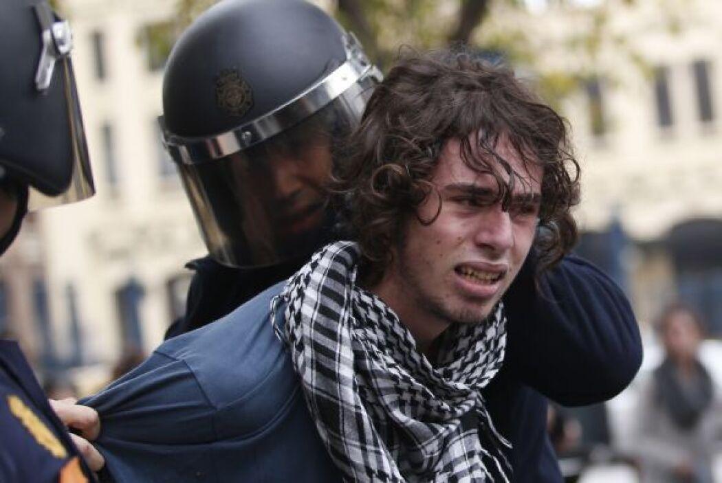 Estudiantes se han sumado a varias de las protestas contra los recortes...
