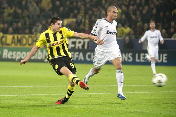 Los alemanes pegaron primero al minuto 36 en una jugada donde le ganaron...