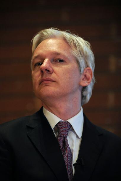 También el fundador del sitio web WikiLeaks -que publica documentos conf...