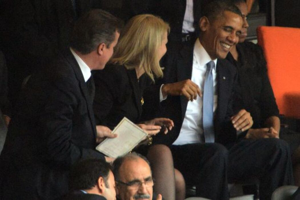 Obama se sentó junto a la primera ministra de Dinamarca, Helle Thorning...