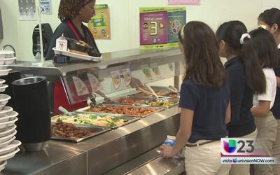 Estudiantes del distrito escolar de Dallas podrán disfrutar de un menú m...