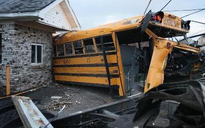 Tornados que azotaron el centro y sur de EEUU han cobrado al menos 30 vidas