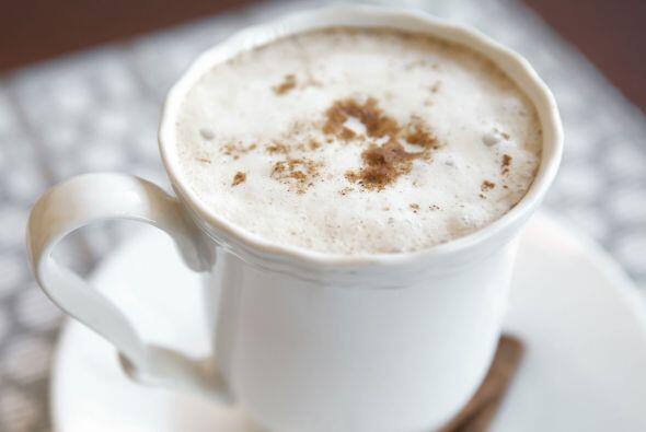 Café helado. Para las tardes veraniegas, qué mejor que un café frío y ba...
