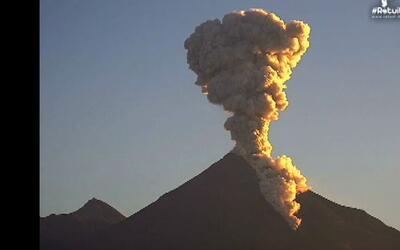 Espectacular erupción del Volcán de Colima