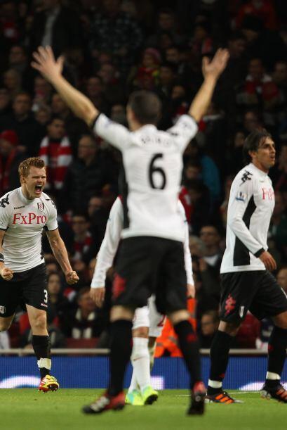 El Fulham comenzó ganando con un gol en contra de Thomas Vermaelen.