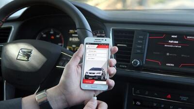 El acuerdo entre ambas marcas promete conectividad total en los autos de...