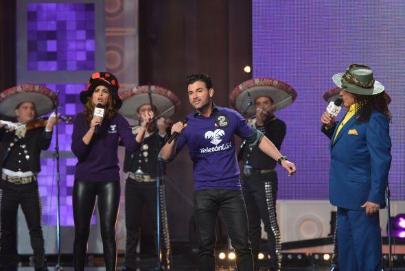 Después llegó el actor Mauricio Mejía, quien para sorpresa de muchos, ta...