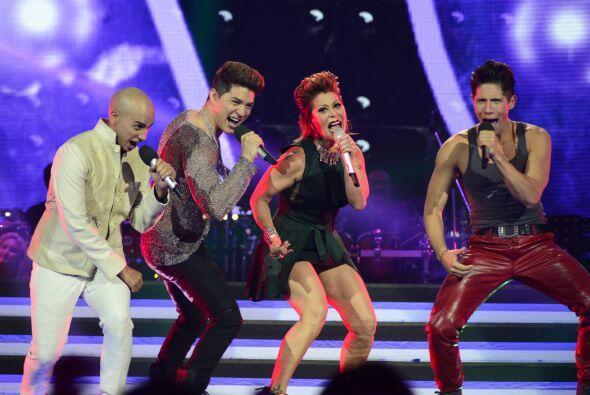 """Otro momento """"top"""" de la noche fue cuando Alejandra Guzmán cantó """"La Pla..."""