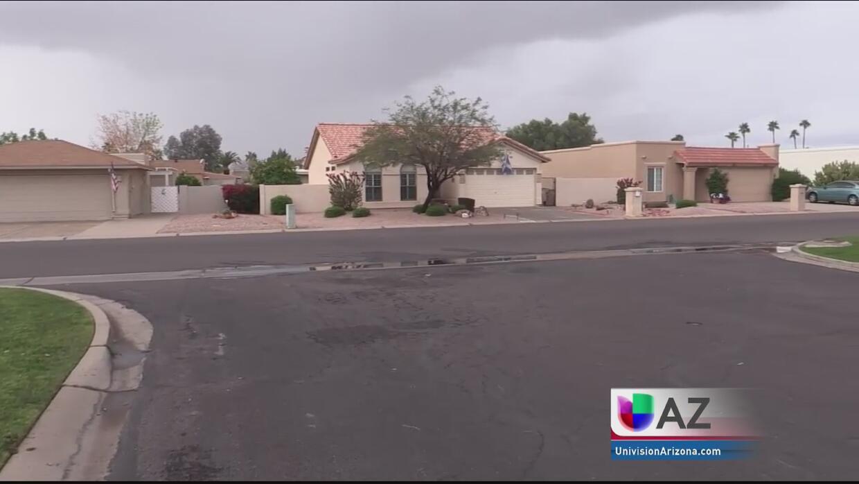 Encuentran a madre e hijo muertos dentro de su casa en Maricopa