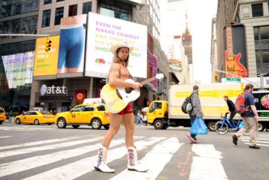 """Un cartel en la Torre de Nasdaq en Times Square leerá : """"Incluso el vaqu..."""