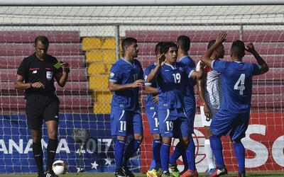 El Salvador derrotó 3-1 a Belice