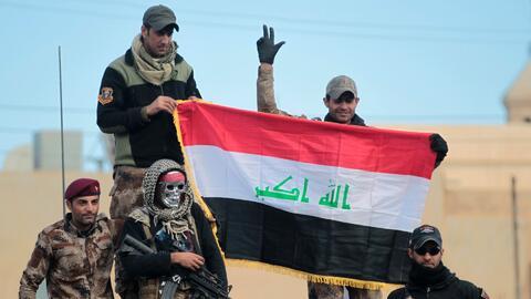 Fuerza contraterrorista de Irak izó la bandera nacional en Mosul