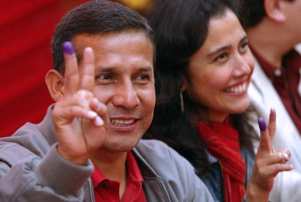 Con miras a los comicios generales, Humala se deslindó desde novi...