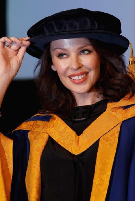 La cantante australiana Kylie Minogue no sólo ha recibido títulos honora...