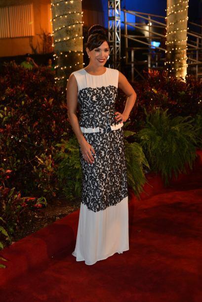 ¡La bella Karla Martínez se veía despampanante!