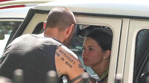 La supermodelo se puso apasionada con su amado Joe.