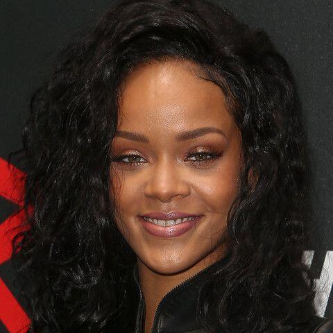 Rihanna ¿Quieres ver más? fotos del mundo del entretenimiento  aquí