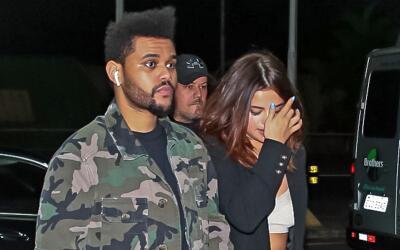 The Weeknd y Selena Gomez en el Aeropuerto Internacional de Sao Paulo-Gu...