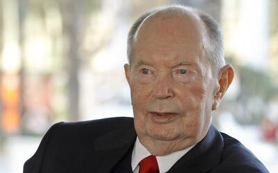 El multimillonario Jerry Perenchio, quien falleció el 22 de mayo...