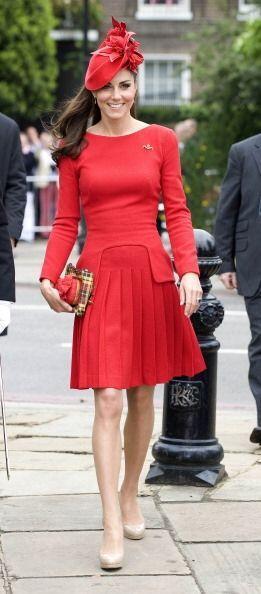 ¡Una diosa de la ropa formal es la Duquesa de Cambridge! Su alternativa...