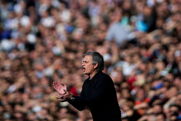 Mourinho celebraba pero noq uería relajación.