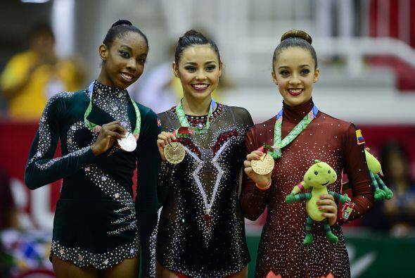 México recuperó la cima del medallero con 89 preseas de oro, 67 de plata...