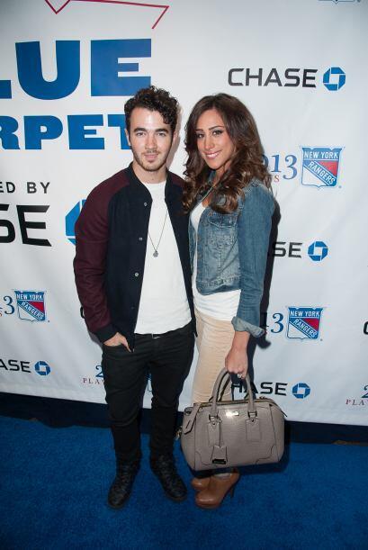 Danielle Jonas La esposa de Kevin Jonas también ha compartido su...
