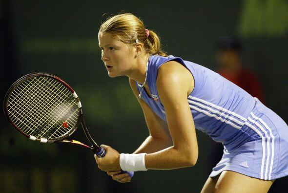 Dinara es hermana del tenista Marat Safin. su mamá es entrenadora de la...